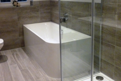 Seamless and contemporary bathroom design in a Hertfordshire new build